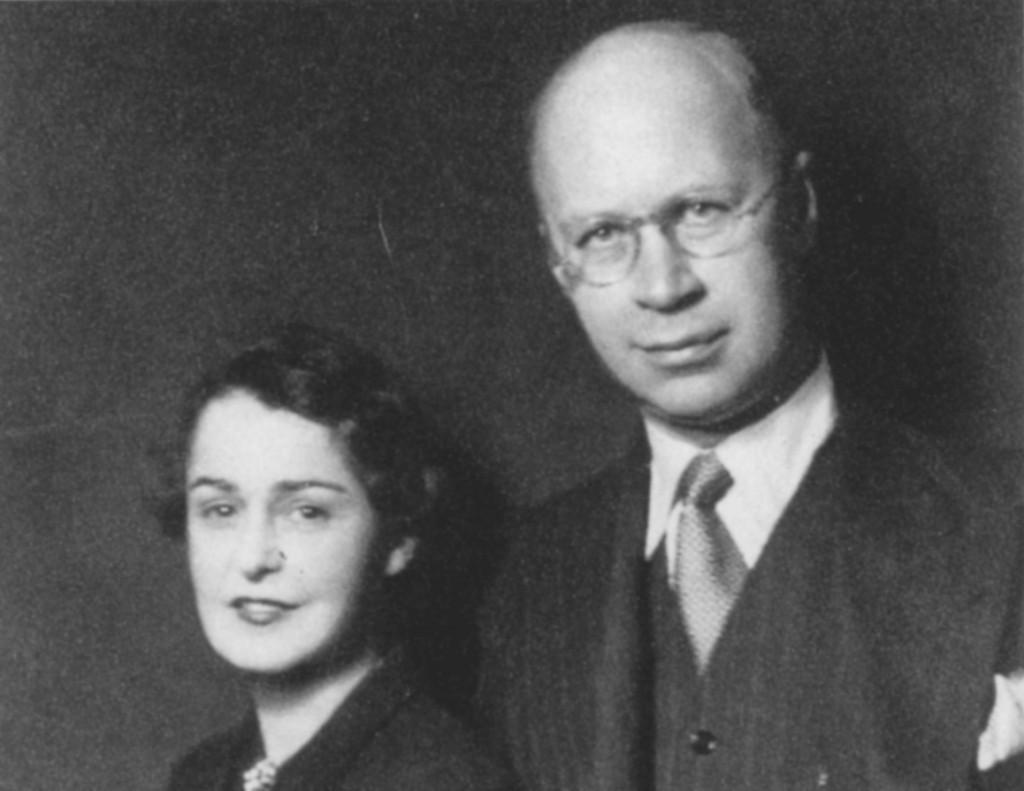 Avec sa première femme, Lina, qu'il épousa en 1923
