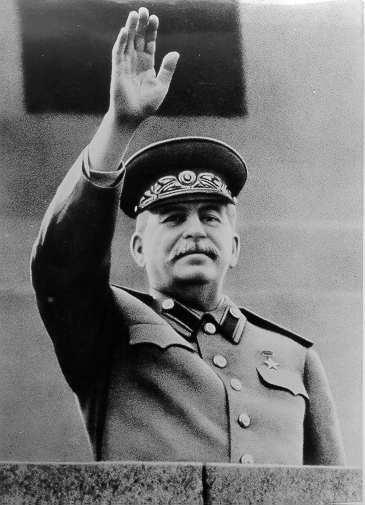 Staline, mort une demi-heure avant (ou après?) Prokofiev qui, sans doute, ne l'a pas su...